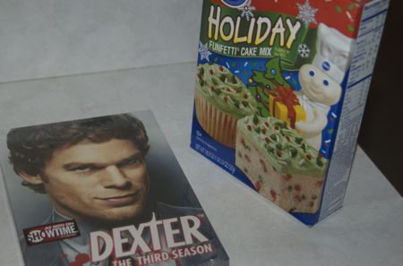 Dexter + Cupcakes = AWESOME 4